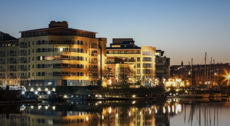 Image of Bristol harbour at night