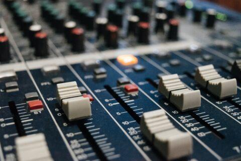 Mixing sound desk