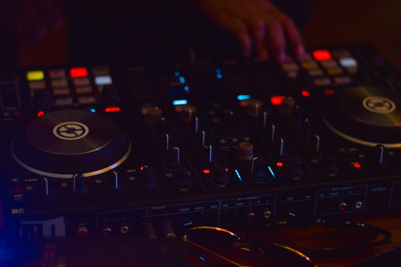 Music mixing desk